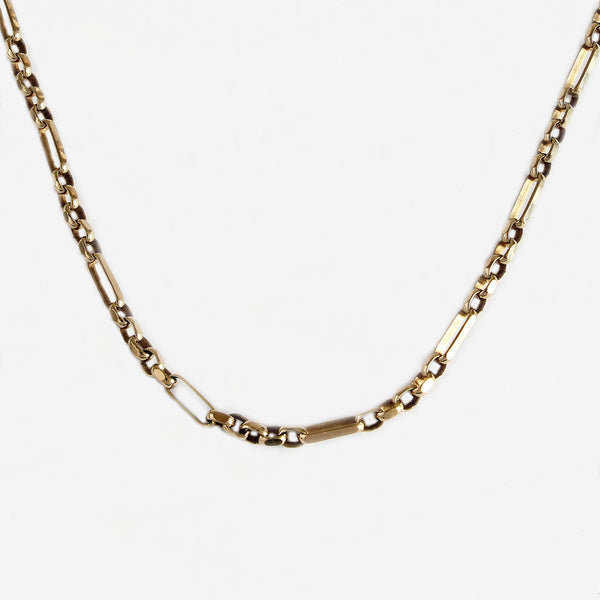 a secondhand yellow gold belcher Figaro design chain