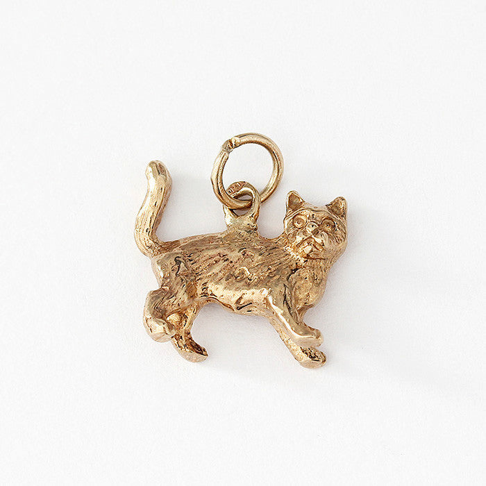 a secondhand 9ct gold standing cat charm which is small in size