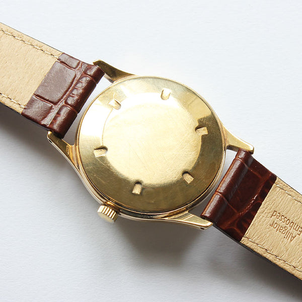 a vintage gold smiths de luxe gents wrist  watch dated 1958