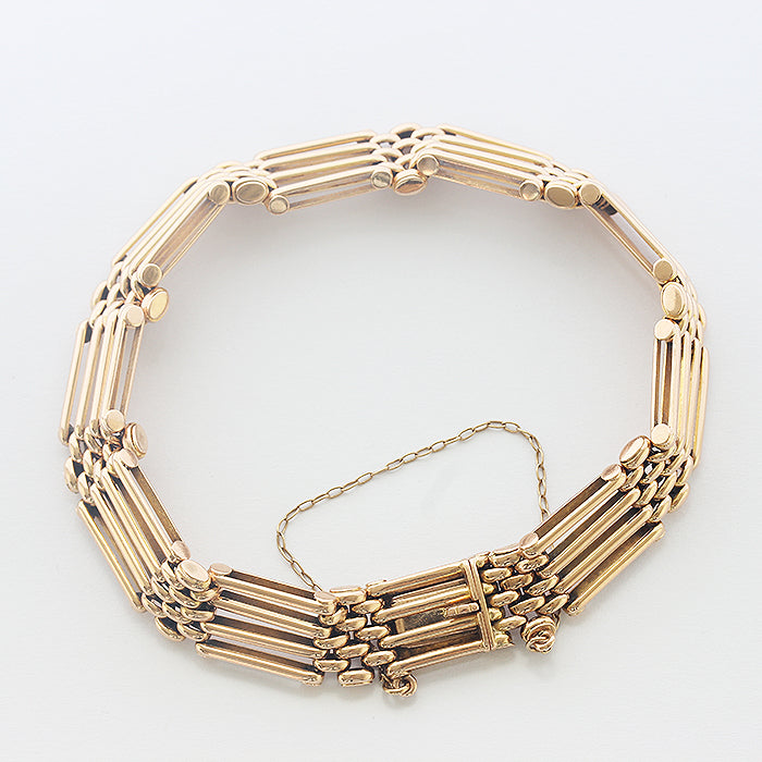 an antique 15 carat 4 bar gate bracelet