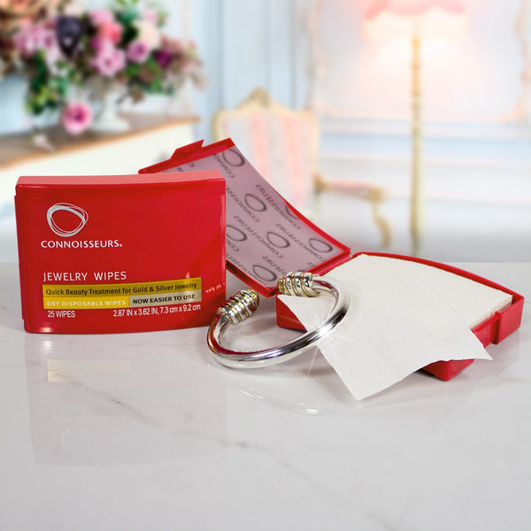 connoisseurs jewellery beauty wipes in a compact case for perfect cleaning