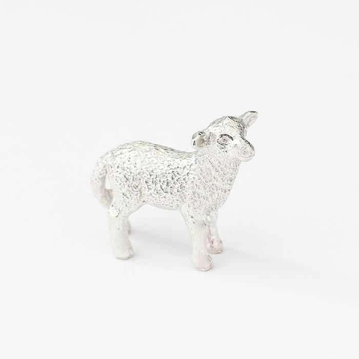 a sterling silver small lamb ornament sculpture which is all british made
