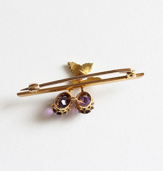 seed pearl and amethyst brooch in gold