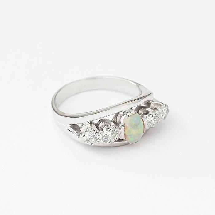 a white gold opal and diamond 5 stone ring with claw settings secondhand
