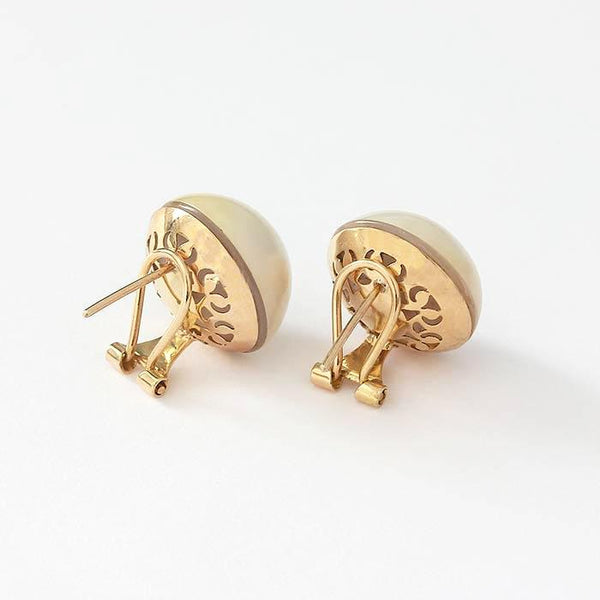 secondhand yellow gold mabe pearl round clip on earrings