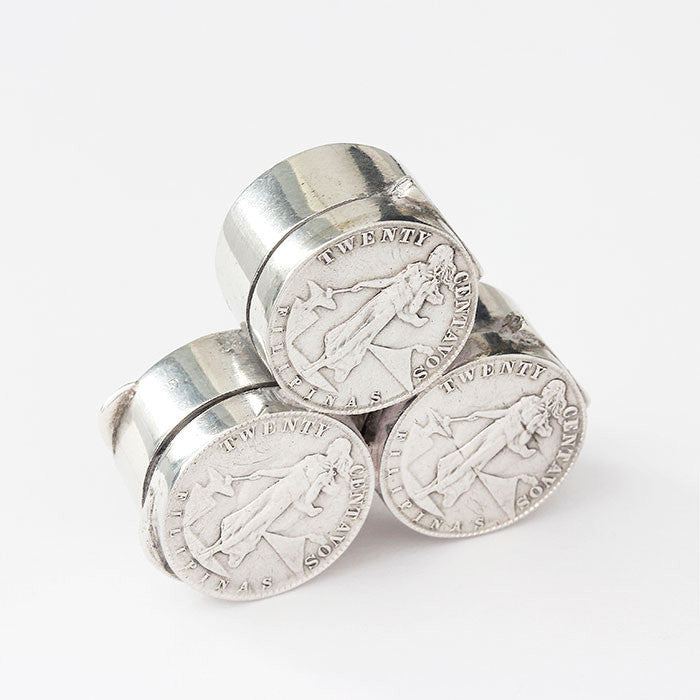 silver coin design hinged pots with pattern on the front