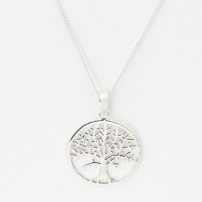silver tree of life pendant with a curb link necklace 44cm long
