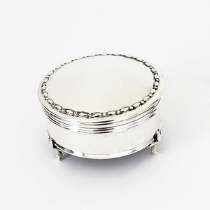 silver small trinket box with velvet inside dated 1918
