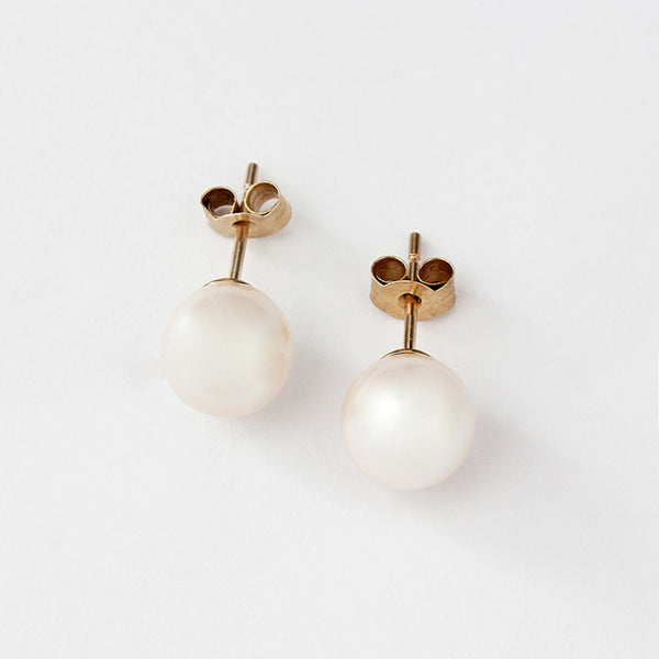 9ct yellow gold pearl stud earrings 8mm