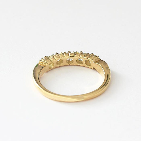 a secondhand 18ct yellow gold diamond set 5 stone ring with claw settings