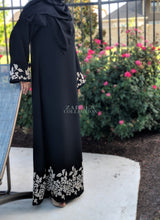 zareen collection luxury designer abayas leyah embroidered abaya in black muslim dress muslim clothing modest fashion modest clothing islamic clothing muslimah wear abaya buth abaya addict annah hariri shukr islamic clothing modanisa sefamerve modern abaya