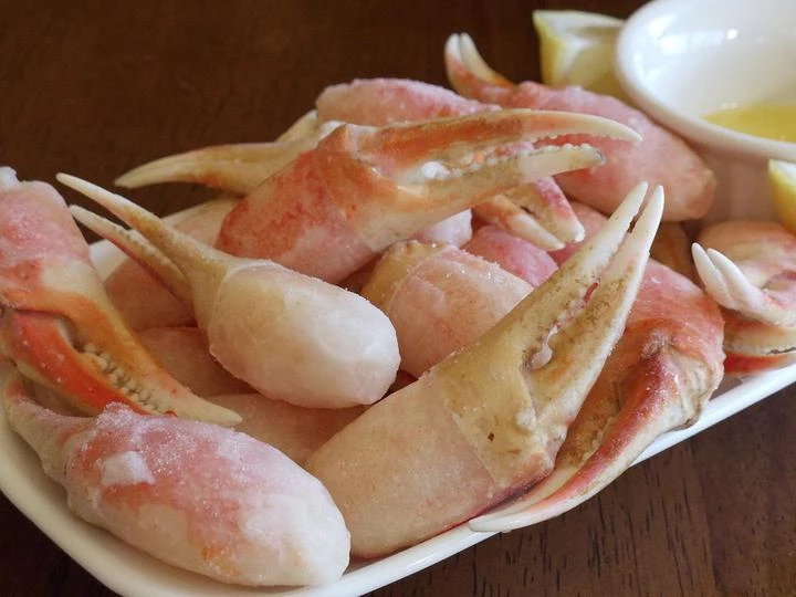 Jumbo Snow Crab Claws