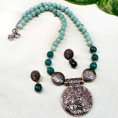 Light aqua blue agate neckset