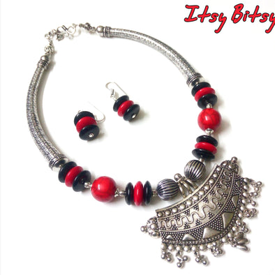 German Silver Hasuli Style Red-Black Beaded Neckpiece Set