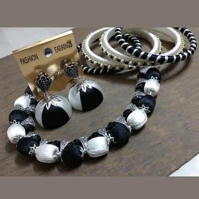 White and Black Choker Set