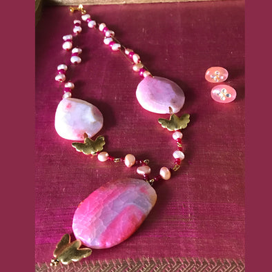 Pink Big Stones with Pearls and Rubies Necklace Earrings