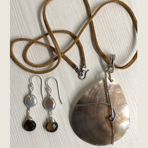 Mother of Pearl Set with Smoky Quartz