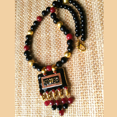 Black Maroon magic necklace