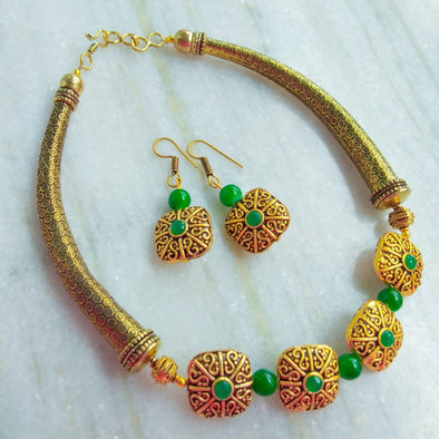 Green Golden Neckpiece