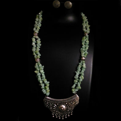 Double Layer Uncut Beaded Necklace