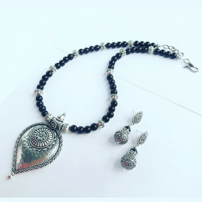 Black Glass Beads Statement Necklace