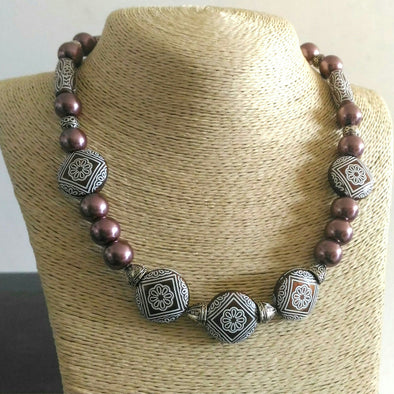 Brown Pearl Glory Necklace