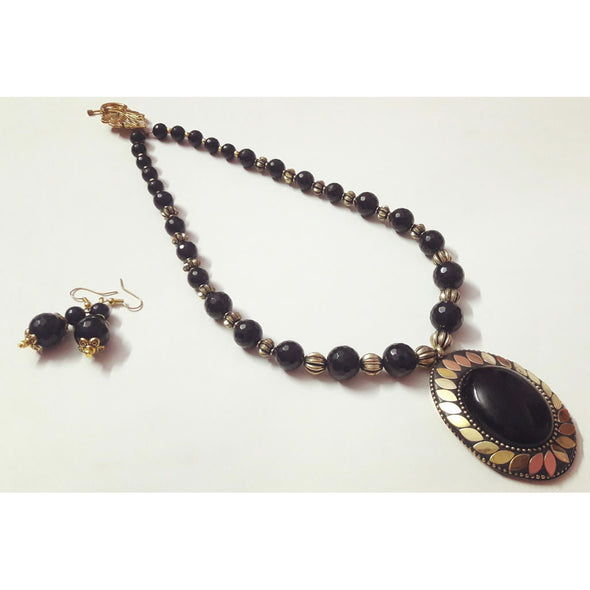 Tibboti Black Necklace