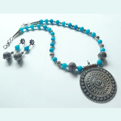 Onyx Statement Neckpiece