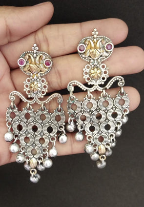 Dual Tone Earring With Gungroo
