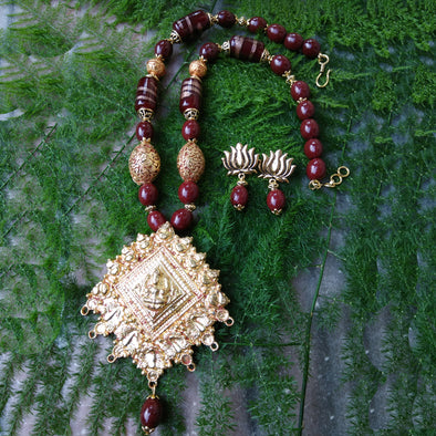 Laya - Goddess Lakshmi Necklace Set