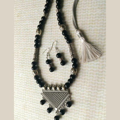 Black Beads Necklace Set