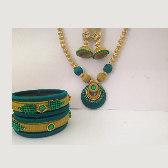 Green & Methi coloured  Necklace set