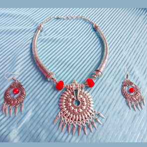 Tribal Neckset with Spikes