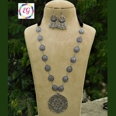 Pretty Long Necklace Set