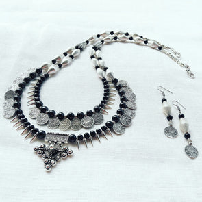 Dholki with Tribal Loof Statement Necklace