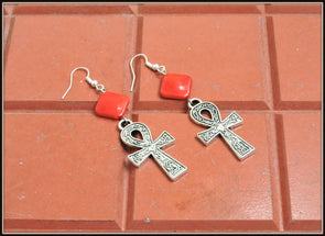 Aankh Earrings - Red