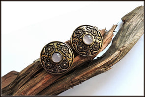 Antique Gold Round Stud 06