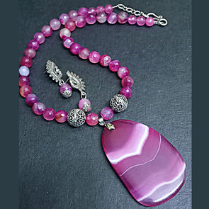 Agate Slab Pendant Necklace