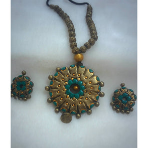 Surya Thejas Necklace and Earrings Set