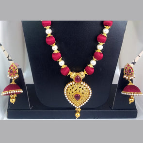 Necklace Set Finished with Silk Thread Beads