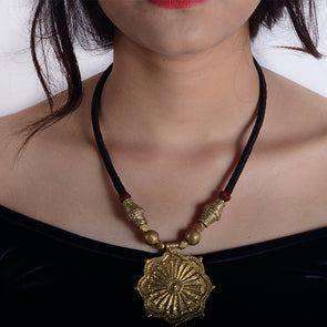 Dhokra Flower Pendant Black