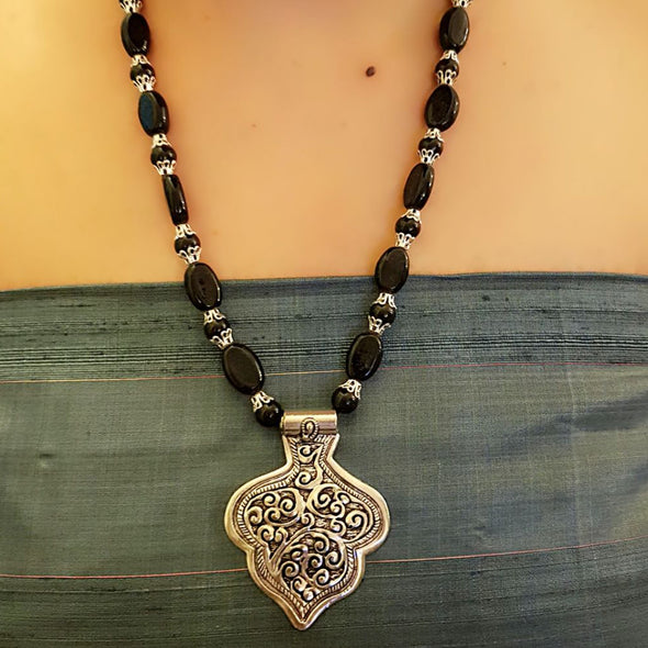 The Bead Story - Black Bead Necklace with Pendant