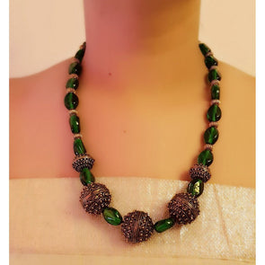 Green Glass Beads Necklace 3