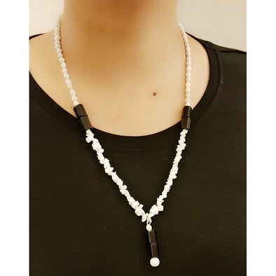 Black And White Glass Beads Necklace