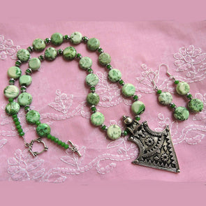 Green Love Necklace Set
