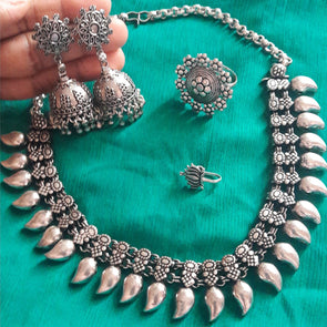 Prastara Jewellery Set