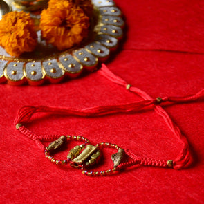 Pital Rakhi Combo: Candy Apple Red