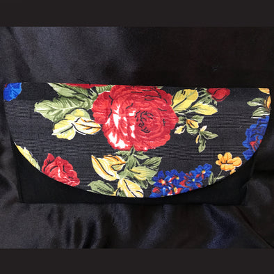 Trendy Floral Clutch