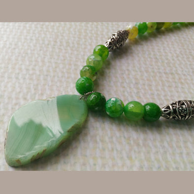 Parrot Green Agates Necklace