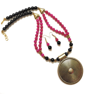 Black/Fuchisa Pink Coloured Golden Neckpiece/Necklace Set